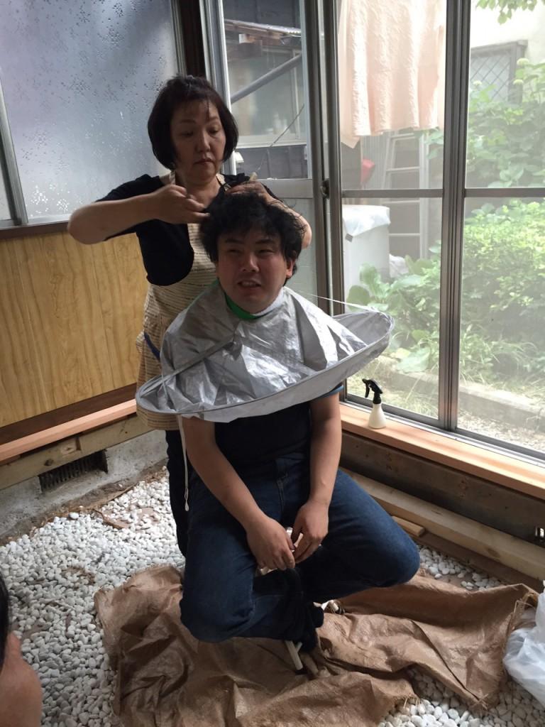 散髪!!(笑)※幕板取り付け前です